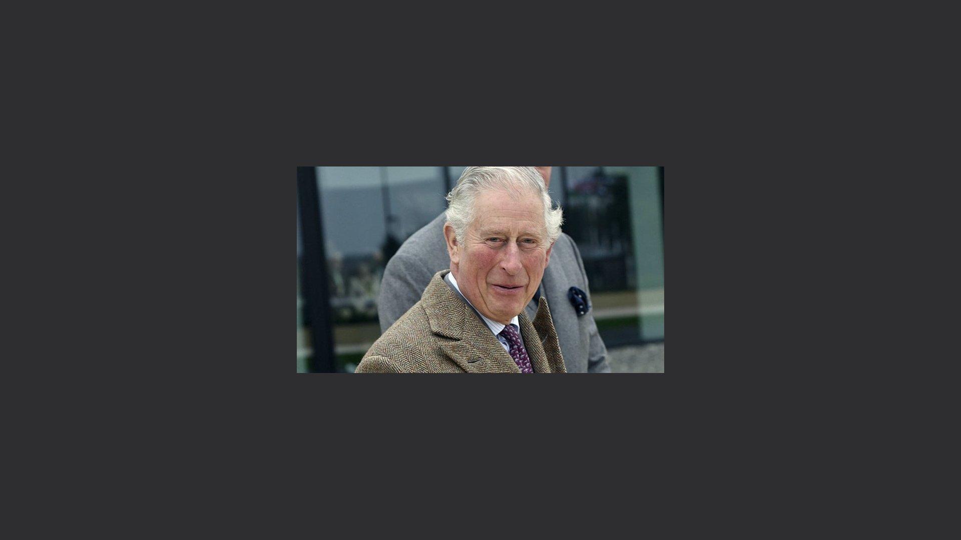 Coronavirus, positivo al test il principe Carlo, l'erede al trono britannico