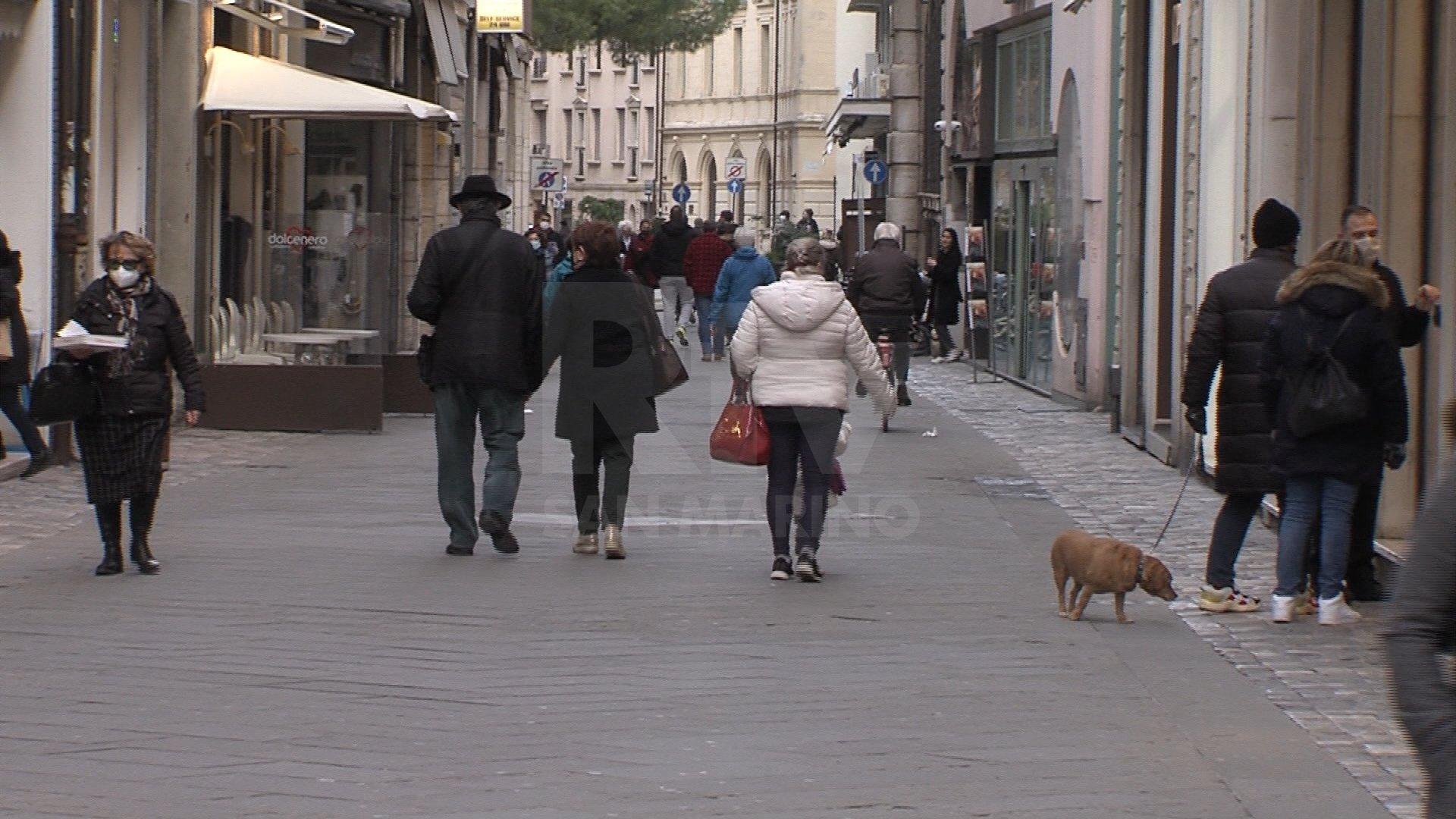 Tutta la provincia di Como in zona arancione rinforzato: scuole chiuse