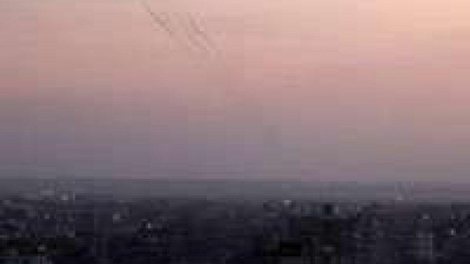 Gaza, altri raid: lanciati 37 razzi