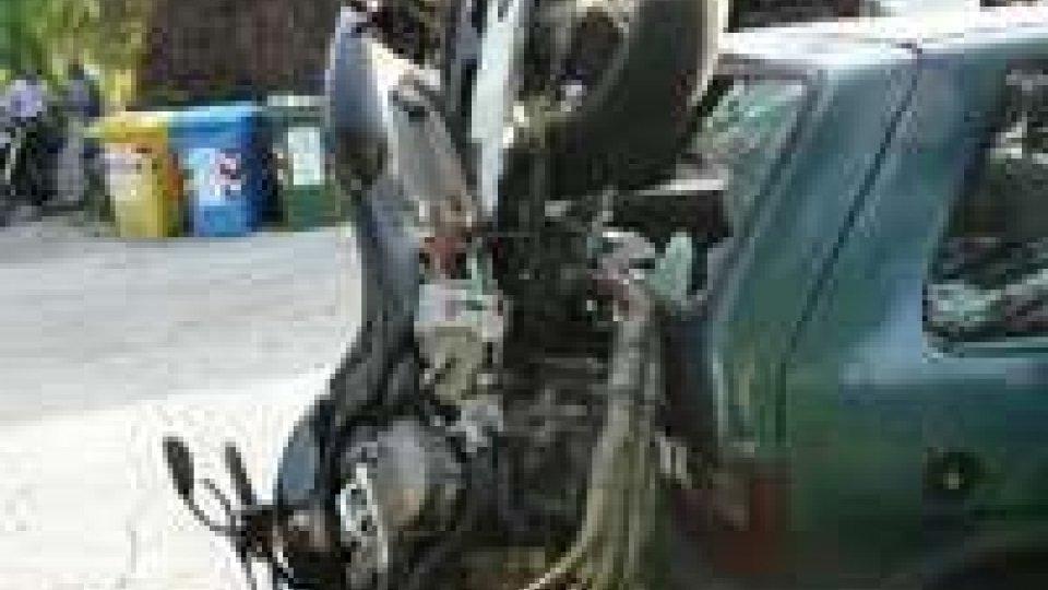 Riccione: Municipale scopre caso di ricettazione dietro ad un incidente