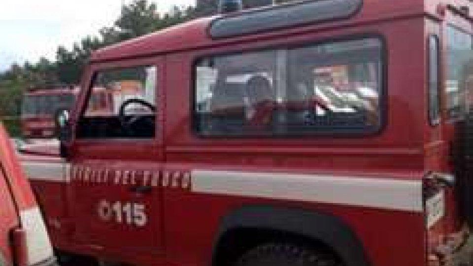 Incendio in un centro vacanze a Numana, nessun ferito