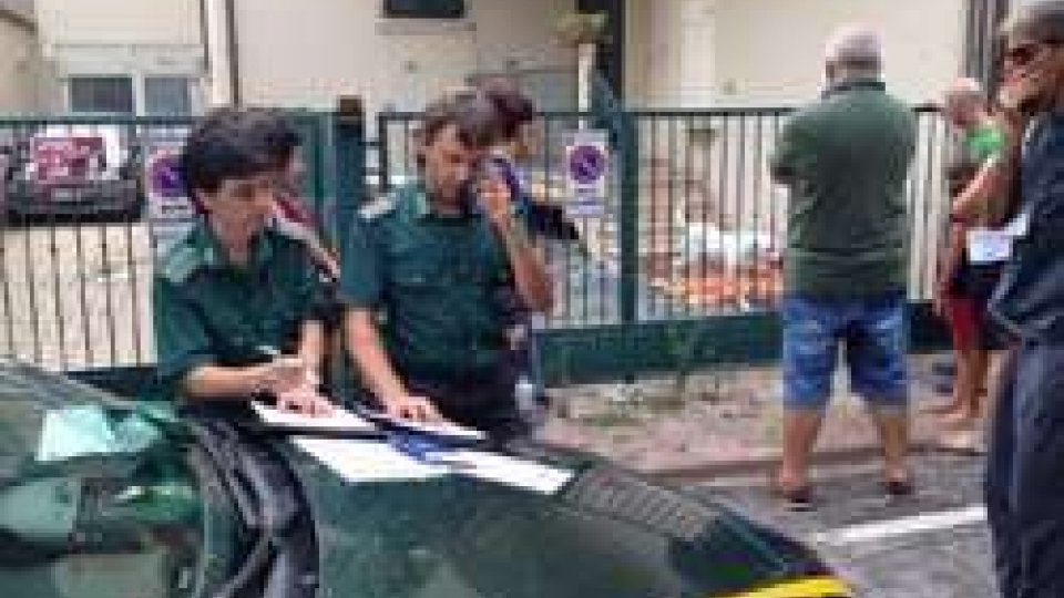 Al palacongressi di Rimini presenti le guardie ecozoofile. Punto informativo rivolto alla cittadinanza