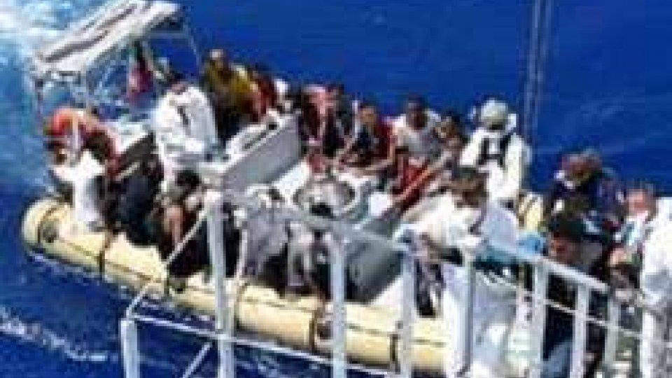 La strage continua: 200 morti in naufragio