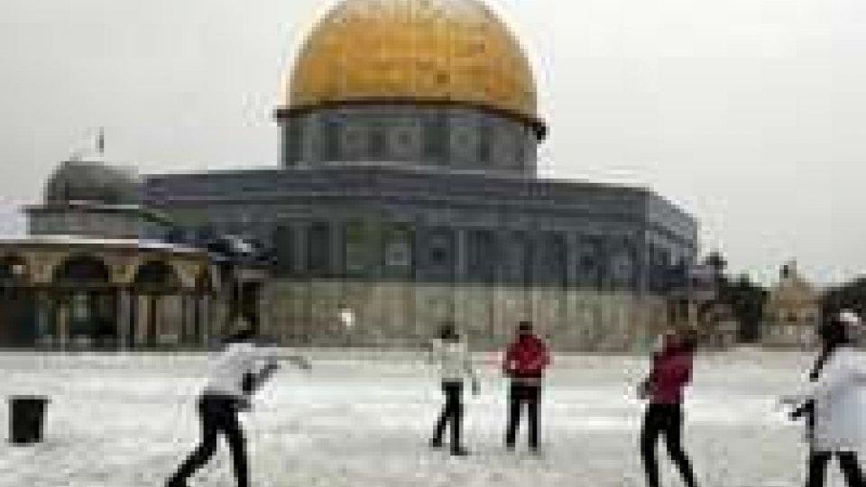 Israele: neve a Gerusalemme, scuole chiuse