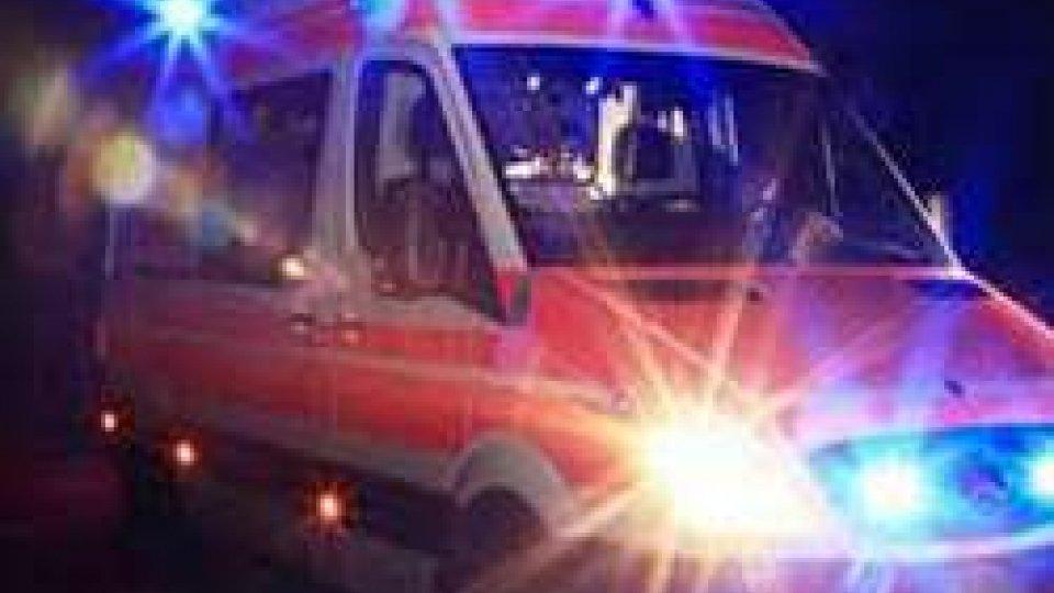 Incidente in A14 coinvolge 10 persone