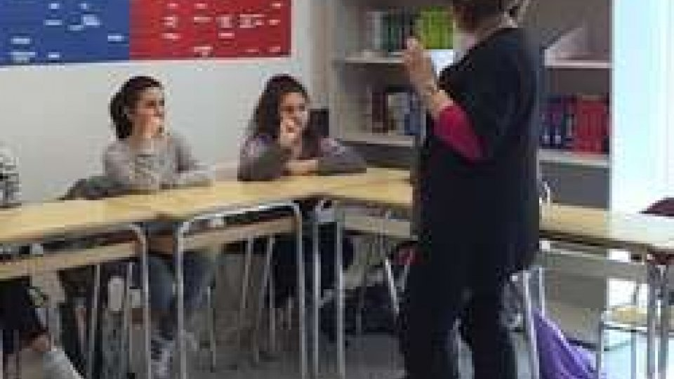 La lingua dei segni entra in classeLa lingua dei segni entra a scuola