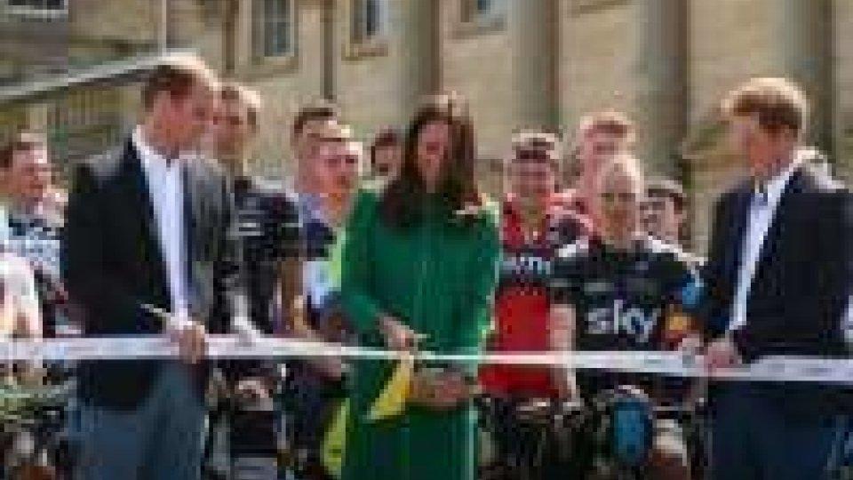 Tour de France:  William e Kate al taglio del nastro