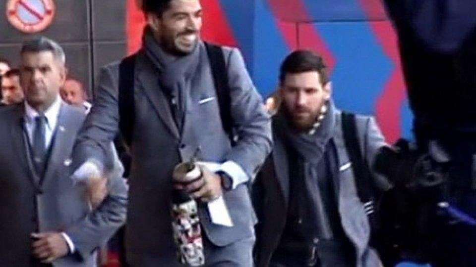 Suarez e MessiChampions: riflettori su Anfield per Liverpool-Bayern, il Barcellona va a Lione