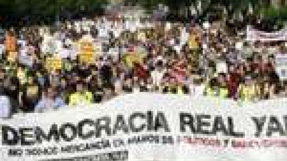 """Gli """"indignados"""" spagnoli lanciano una nuova sfida"""