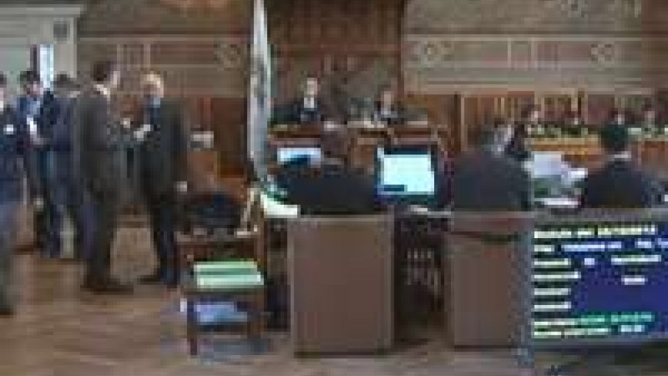 Consiglio: il dibattito si sposta sull'occupazione