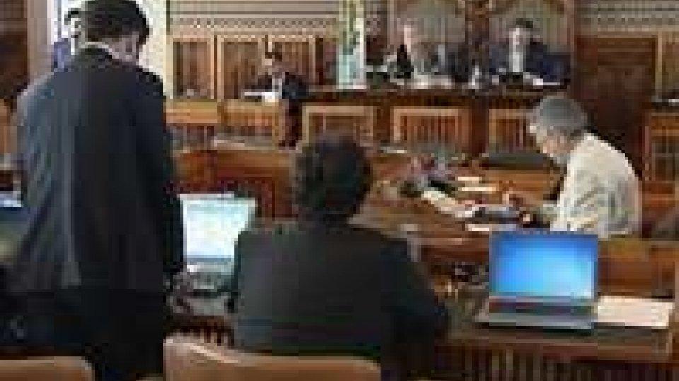 """Consiglio: Istanze, scuola protagonista, governo """"sconfessato"""" su legalità"""
