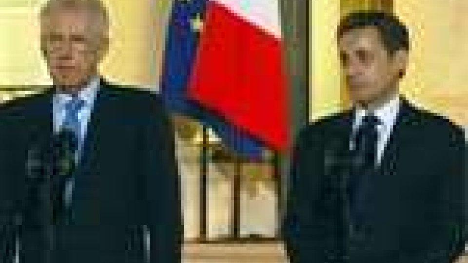 "Monti alla Merkel: ""L'Eurozona ci dia una mano sui tassi"""