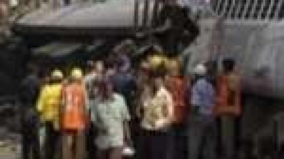 India, New Delhi: collisione fra treni 4 morti