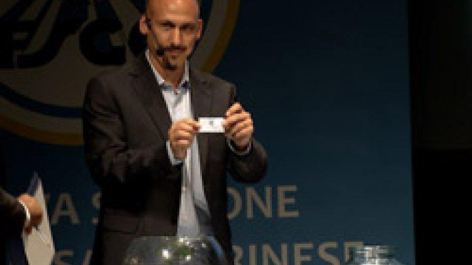 il sorteggio fatto da Bryan GasperoniFsgc: sorteggiati i calendari della prossima stagione del calcio sammarinese