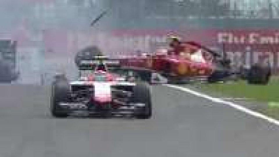 F1: brutto incidente Ferrari Raikkonen, bandiera rossa