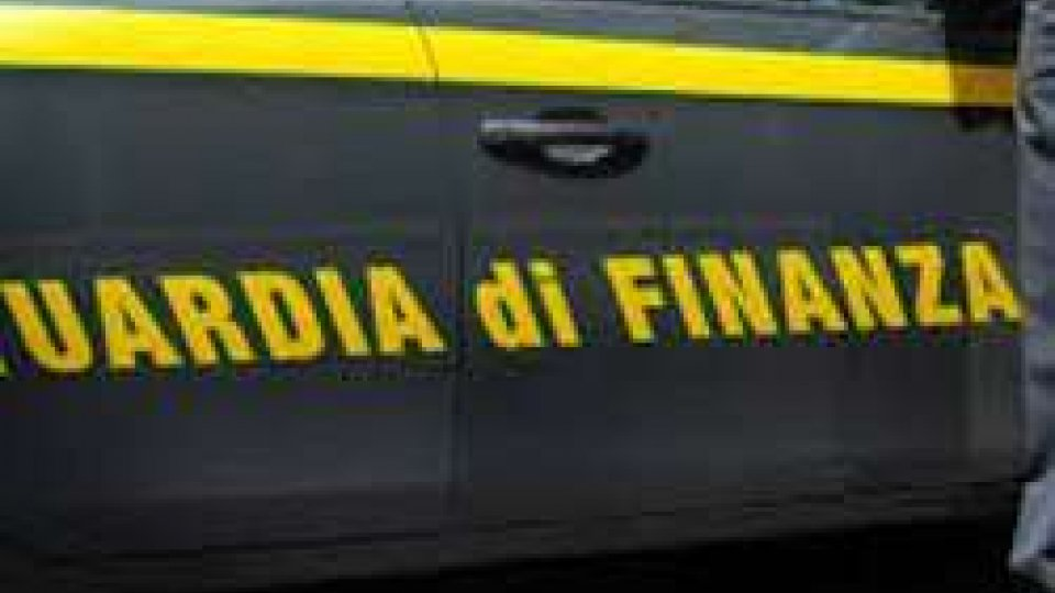 Gdf Ravenna, medicinali illegali in sexy shop: 11 arresti
