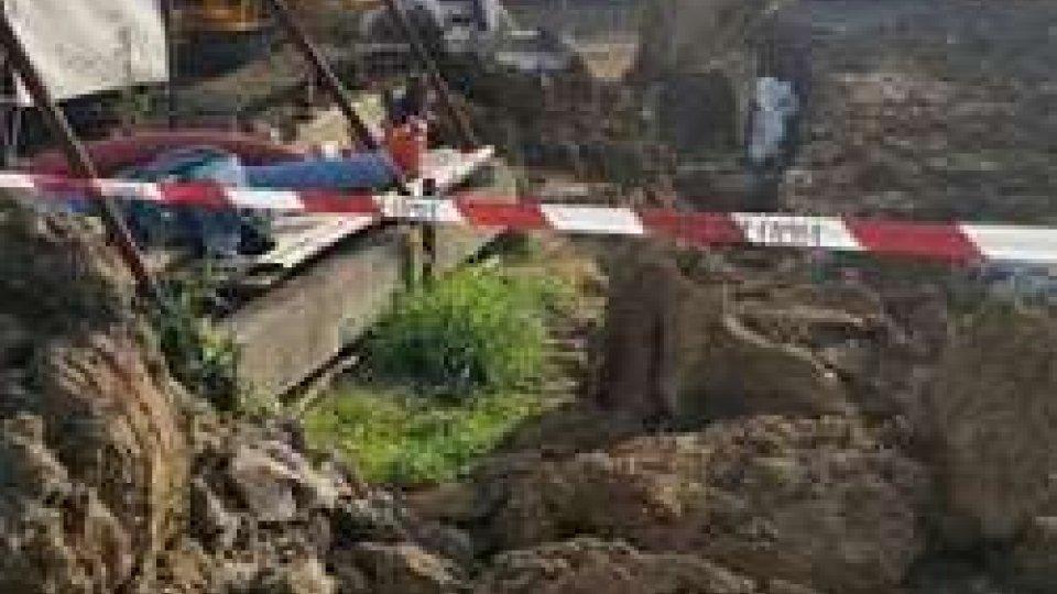 padre e figlio sepolti da quattro metri cubi di terraSantarcangelo: due operai travolti da cinque metri cubi di terra, feriti