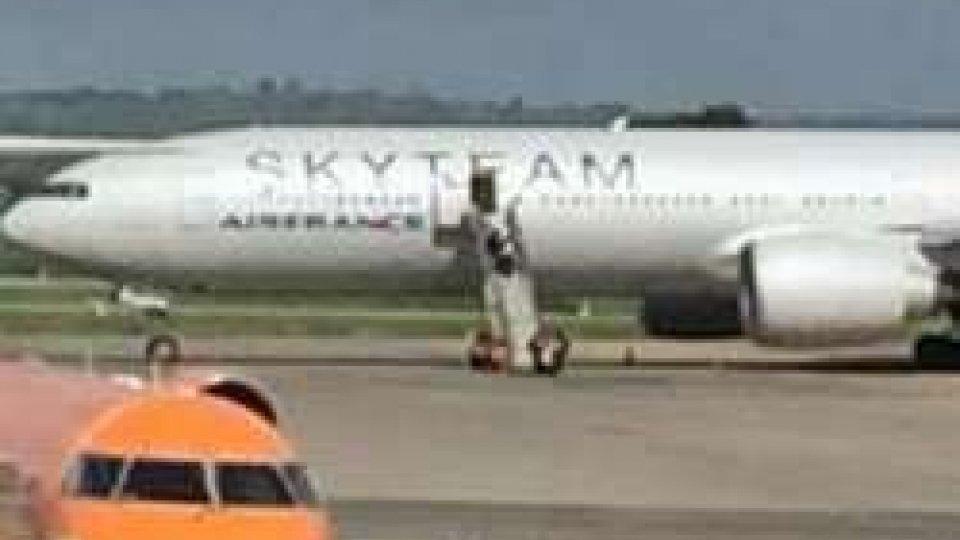 Terrorismo: allarme bomba su volo Air France. Atterraggio d'emergenza a Mombasa