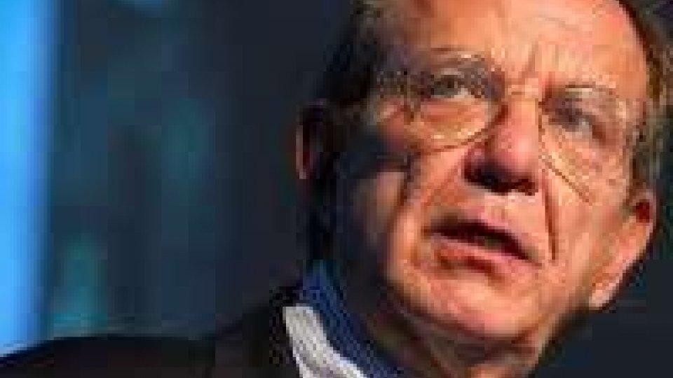 """Recessione: il ministro Padoan spinge per """"riforme in fretta"""""""