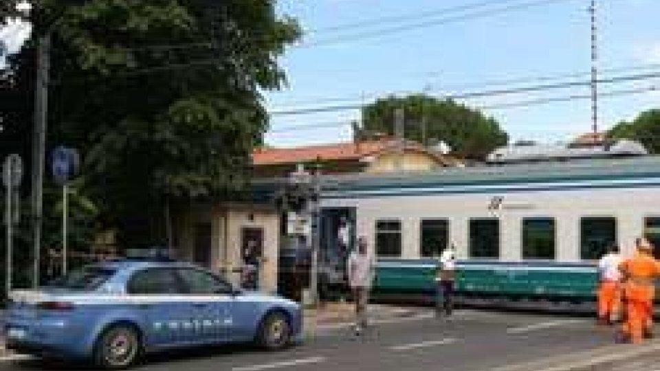 Ravenna: ciclista muore travolta dal treno ad un passaggio a livello