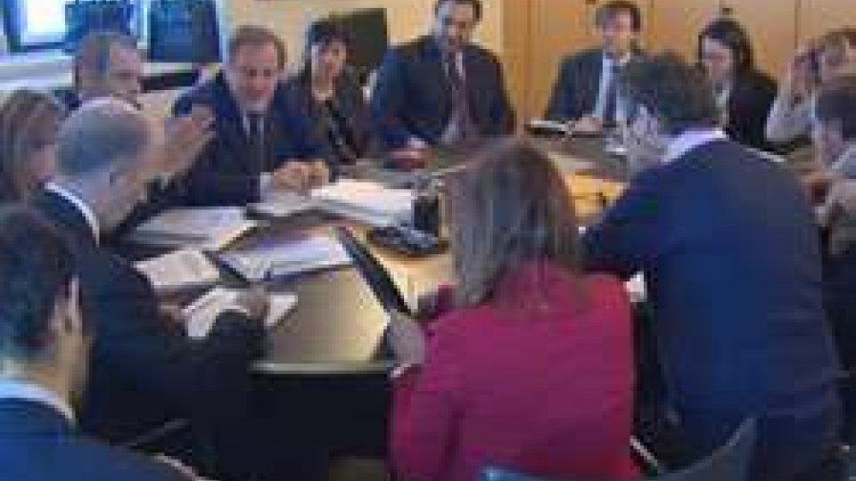 governo e sindacatiPA, bozza di pre accordo sul tavolo tra governo e sindacati