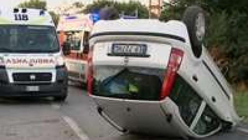 Santa Maria in Pietrafitta: Fiat Panda contro un una casa