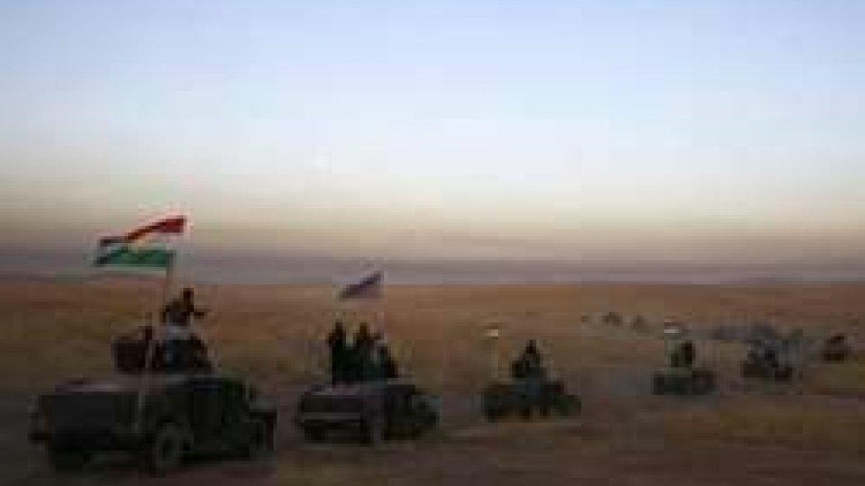 Un convoglio di forze PeshmergaMosul: rallenta l'avanzata verso la roccaforte irachena dell'ISIS