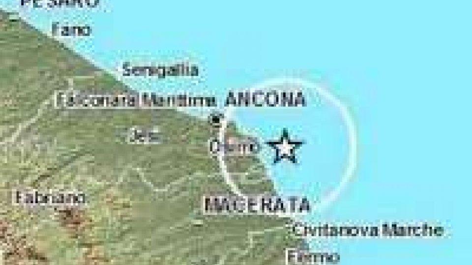 Terremoto nelle Marche: sisma con magnitudo 4.9 nella notte.
