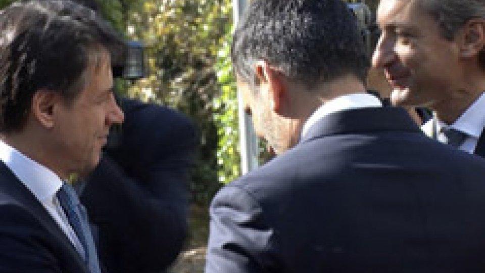 Giuseppe Conte Andrea GnassiConte a Comuni: 'Siete cuore pulsante Italia, Stato vi è vicino'