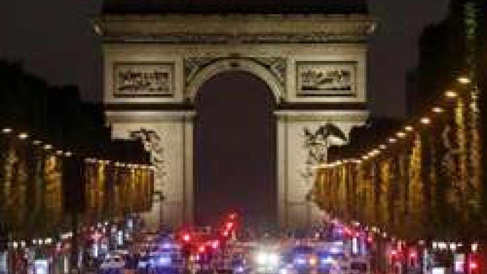 Attentato Parigi: campagna elettorale segnata dal terrore