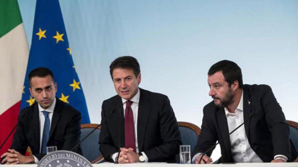 Di Maio, Conte e Salvini. Foto ansaDibattito Ue-Governo sulle stime economiche, sulla giustizia sciopero dei penalisti