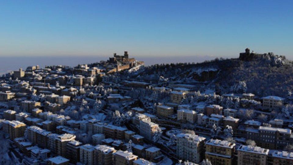 Il Titano innevatoMeteo: freddo e gelo a San Marino e nel sud Italia