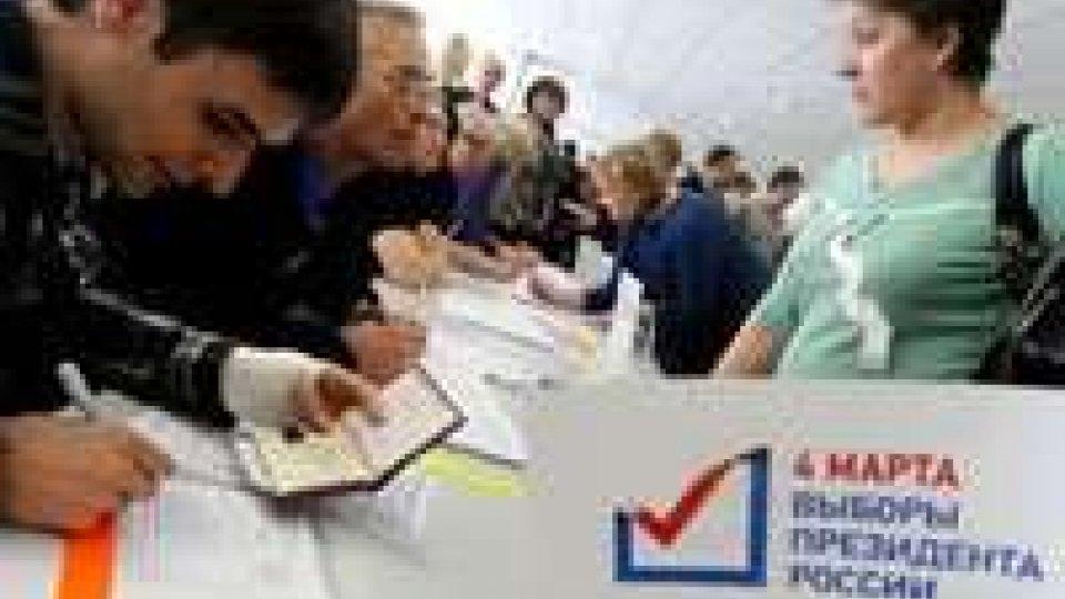 Elezioni in Russia, dati ancora parziali. Torna l'incubo brogli