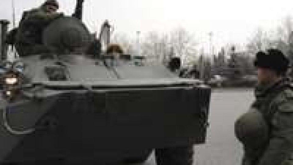 Ucraina: Russia schiera i blindati in Crimea