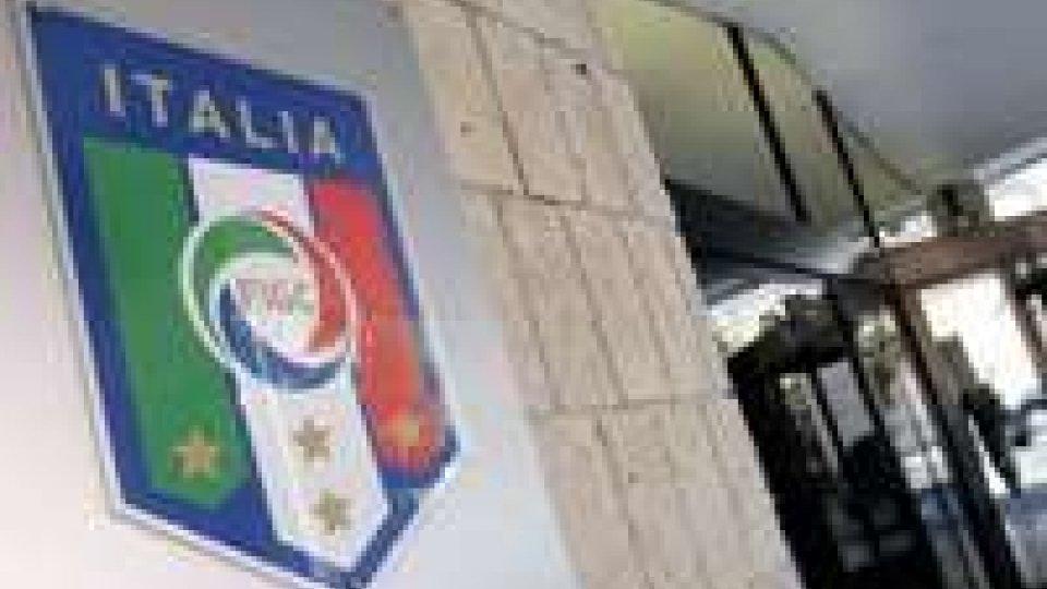 Blitz della finanza in sede Figc e Napoli