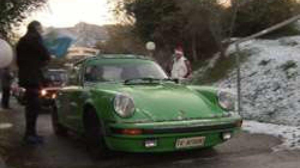 Historic Christmas San MarinoHistoric Christmas San Marino: splendide vetture d'epoca hanno sfilato lungo le strade della Repubblica.