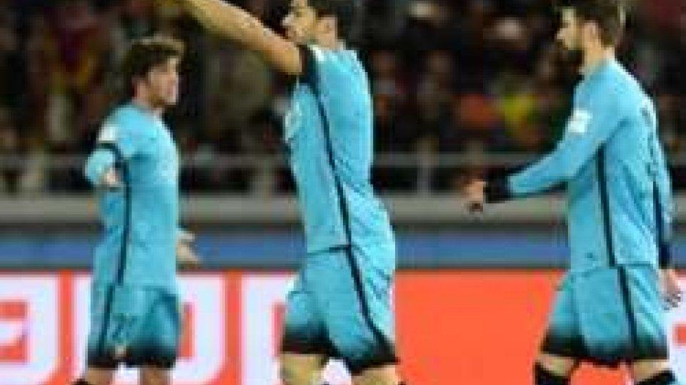 Suarez trascina il Barcellona in finale