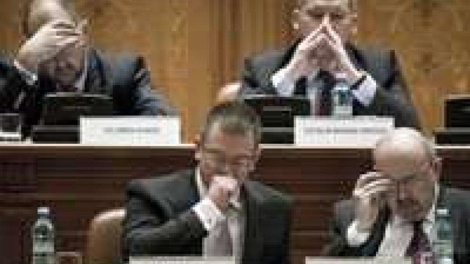 Romania: parlamento sfiducia il governo