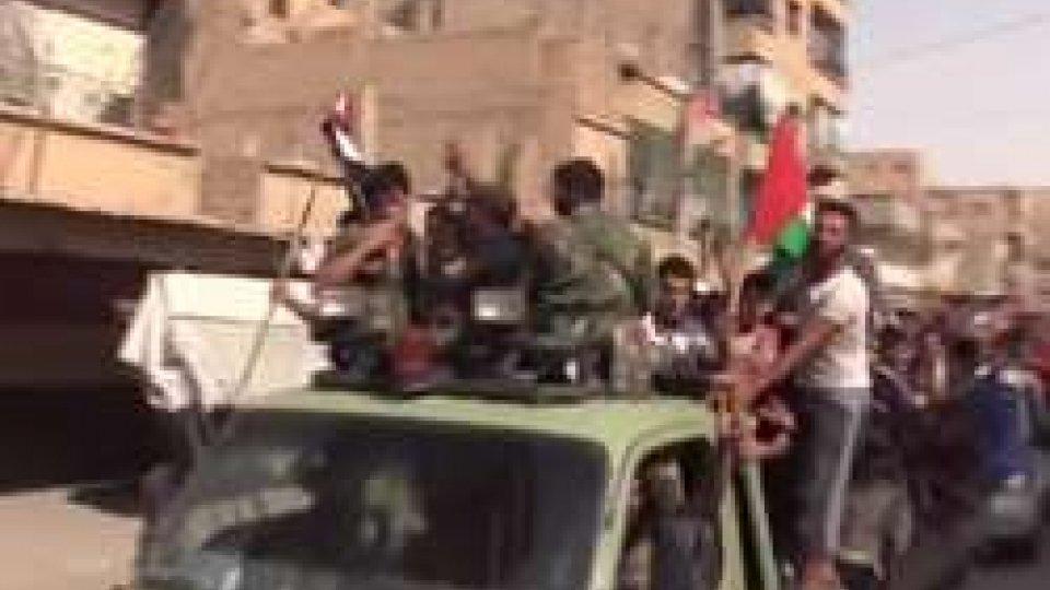 Siria: rotto l'assedio ISIS a Deir EzzorSiria: rotto l'assedio ISIS a Deir Ezzor. Per 100.000 persone è la fine di un incubo