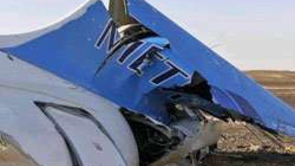 L'aereo precipitatoAereo Sinai: prende corpo l'ipotesi di una bomba nella stiva