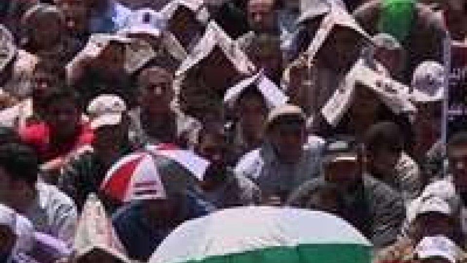 Piazza Tahrir, in Egitto, si riempie di manifestanti