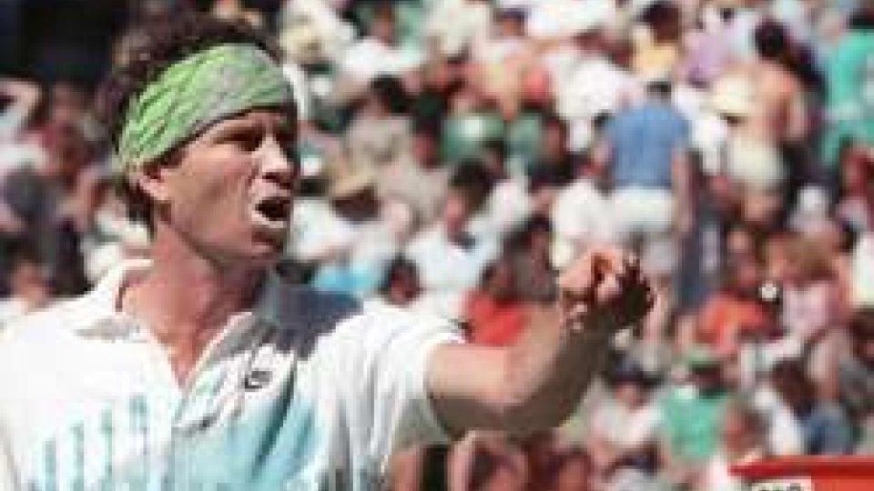 John McEnroe insulta l'arbitro