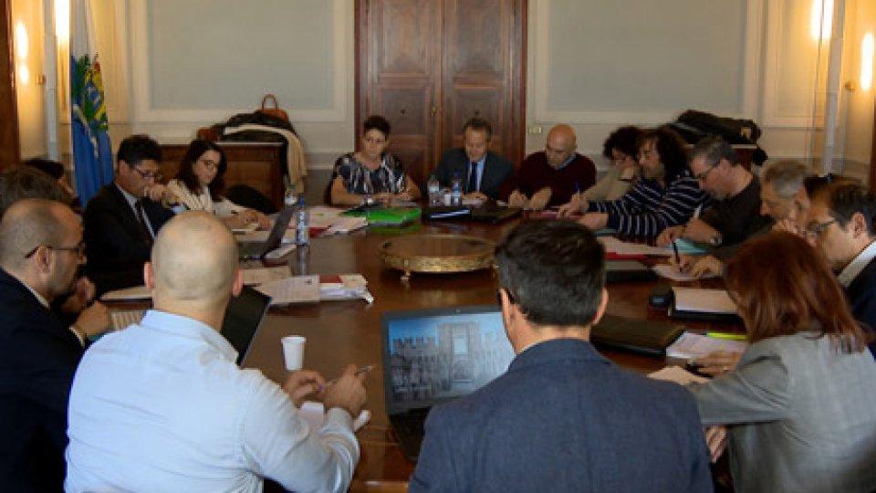 Il tavolo di lavoroBilancio: nuovo incontro. Usl soddisfatta, non parteciperà allo sciopero. Csu, dal governo solo provocazioni