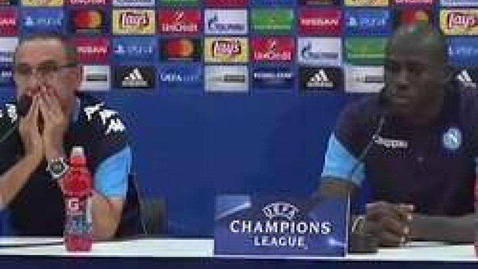 Sarri e KoulibalyChampions, Napoli a Nizza per sfatare il tabù. Balotelli e Snejder in campo