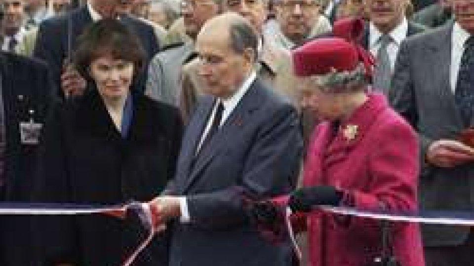 la Regina d'Inghilterra  e il presidente francese Mitterand