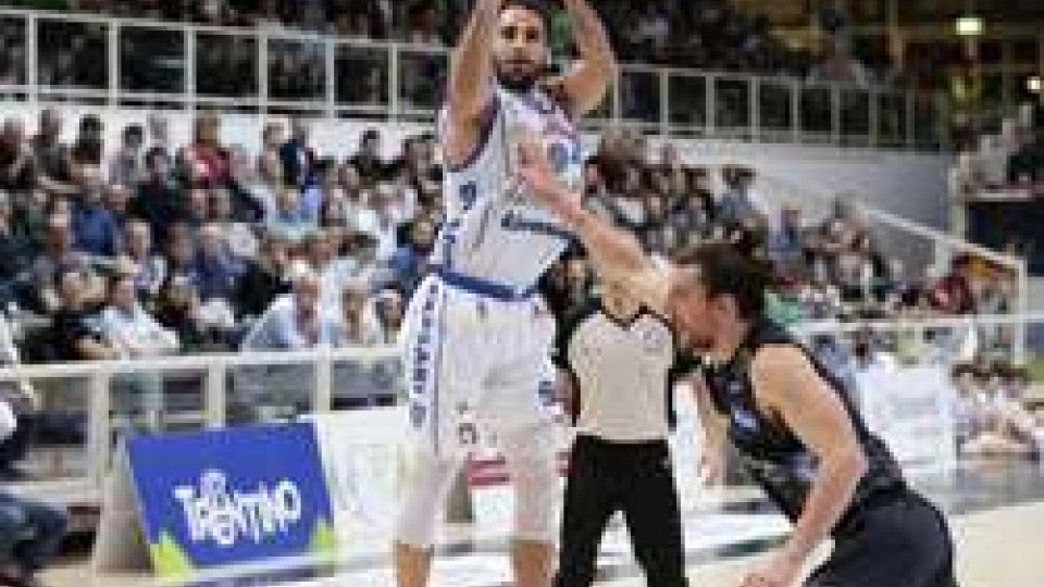 Sassari: colpo play-off a TrentoSassari: colpo play-off a Trento
