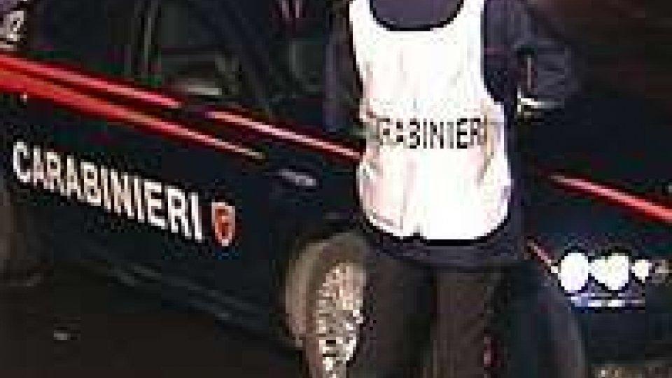 Rimini: i Carabinieri fermano un ubriaco molestatore da 1 mese