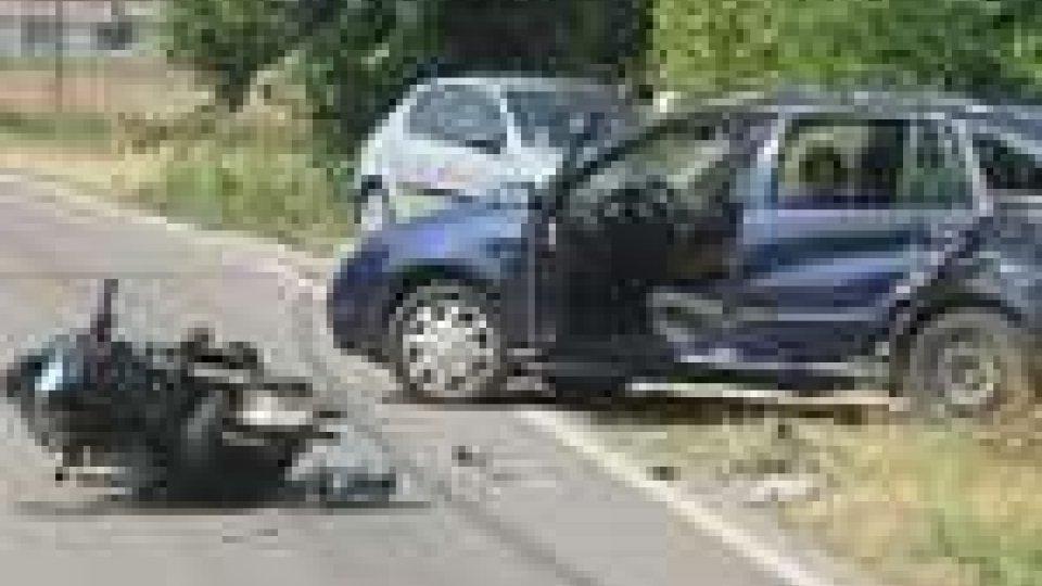 Santarcangelo: grave incidente tra moto e auto. Centauro in prognosi riservata