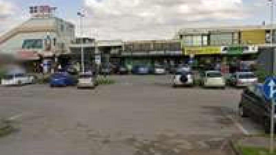 """Superstrada Rimini- San Marino: rapina al supermercato """"D-più"""""""