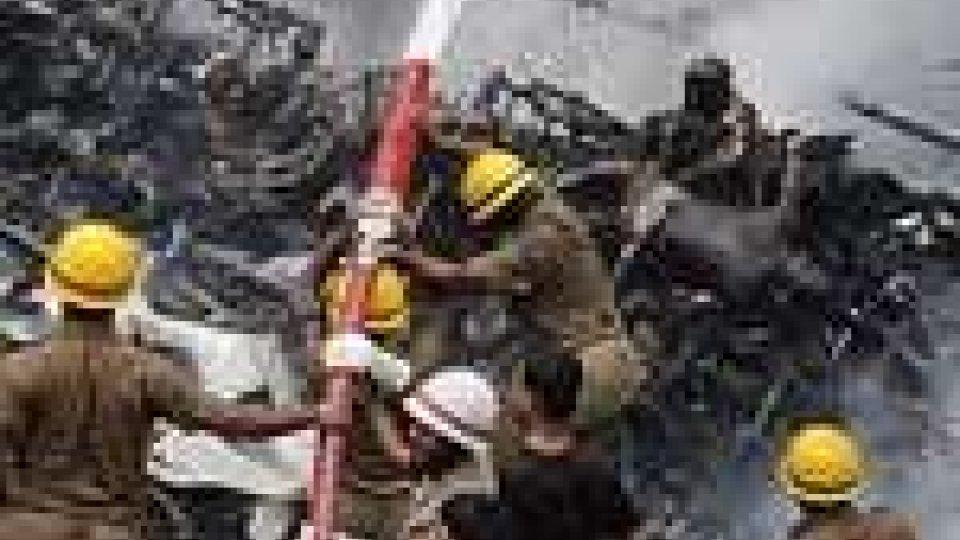 India: precipita aereo, oltre 150 vittime